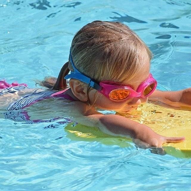 """Vanaf 26 juni weer """"gewoon"""" recreatief zwemmen op 1,5 meter…"""
