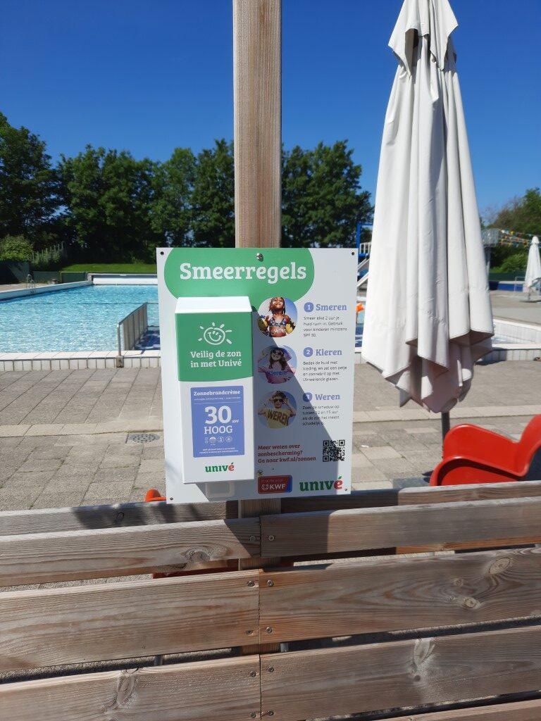 Univé zorgt komende zomer voor gratis zonnebrandcrème in Zwembad de Hoge Vier.